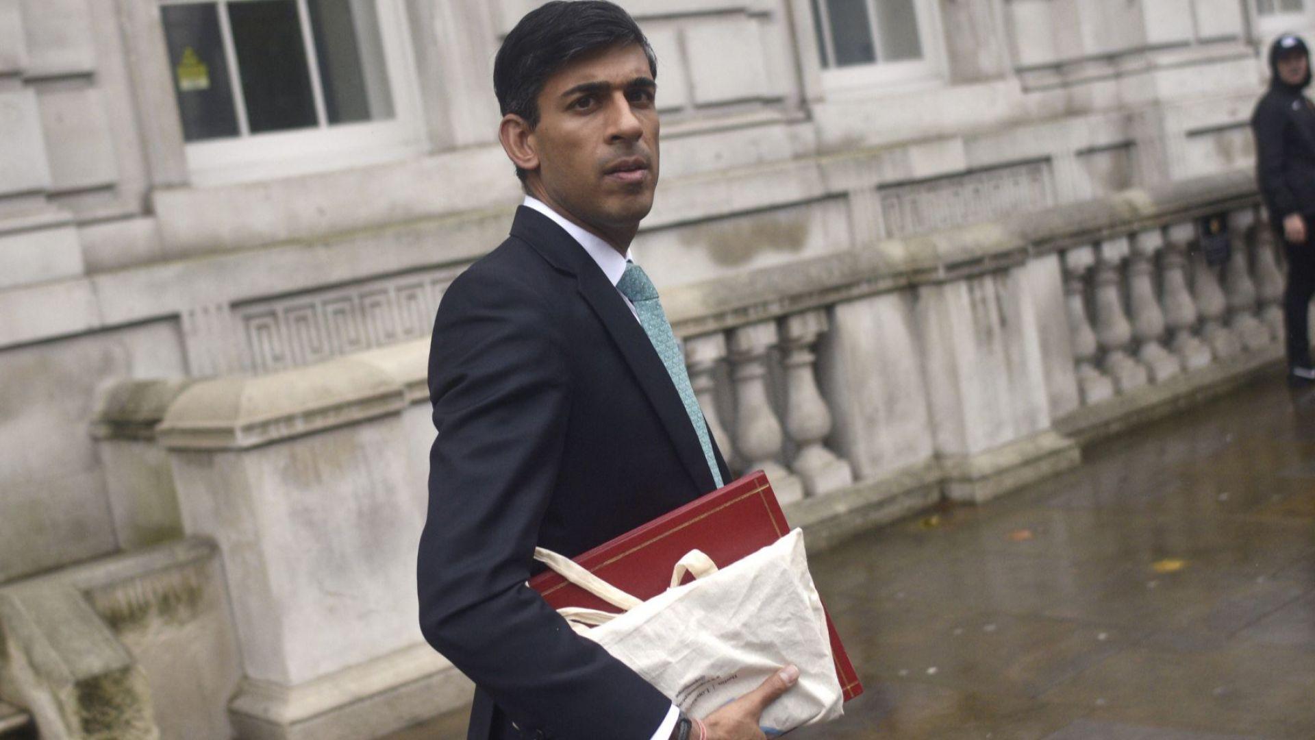 """Любимият министър на Джонсън ще ръководи """"икономическо супер министерство"""""""