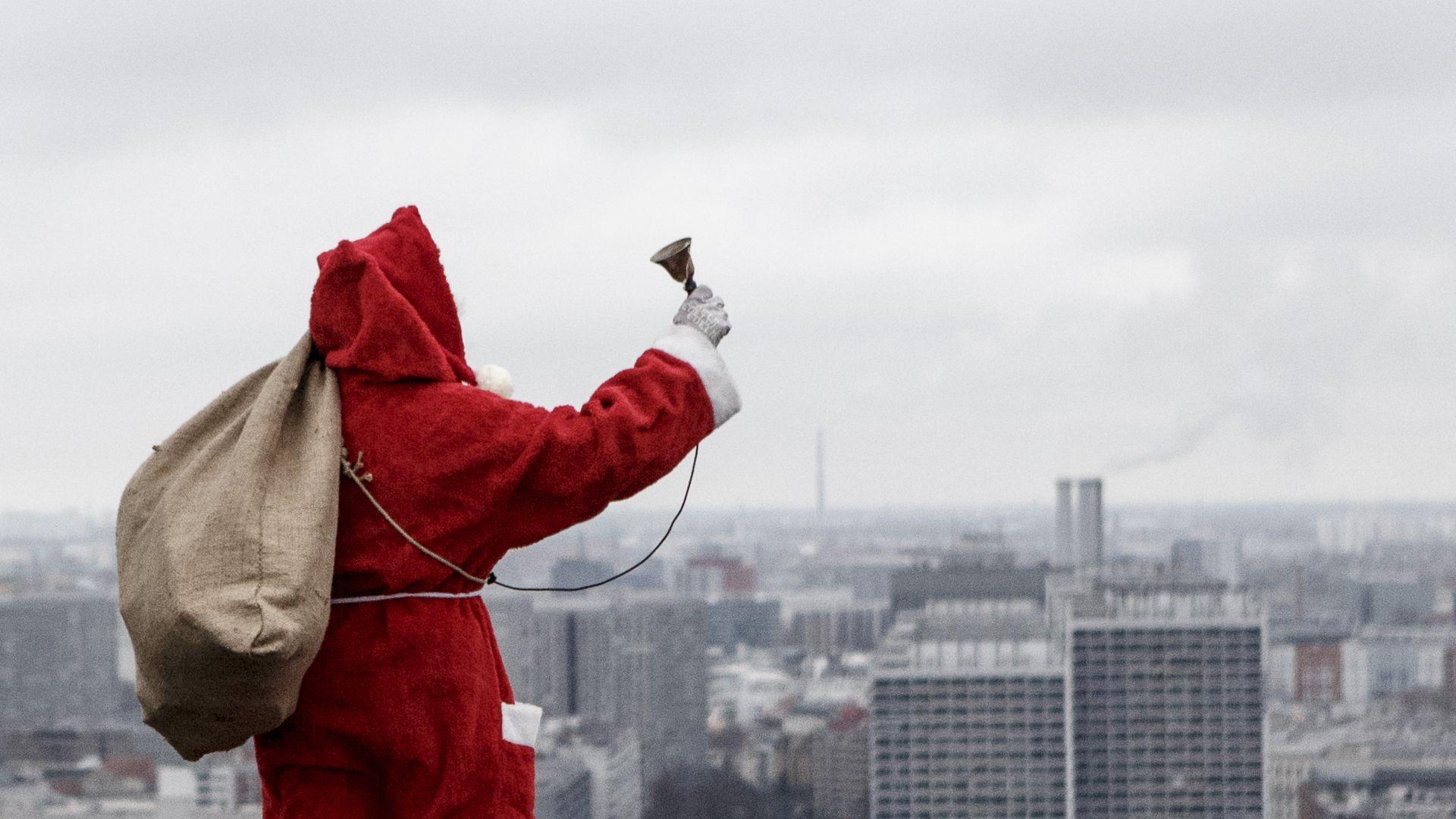 Дядо Коледа раздаде над 7,5 млрд подаръци по света