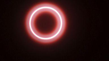 """Небесен """"огнен пръстен"""" очарова части от Азия"""