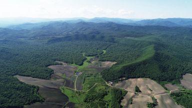 Учени откриха огромен кратер в Китай