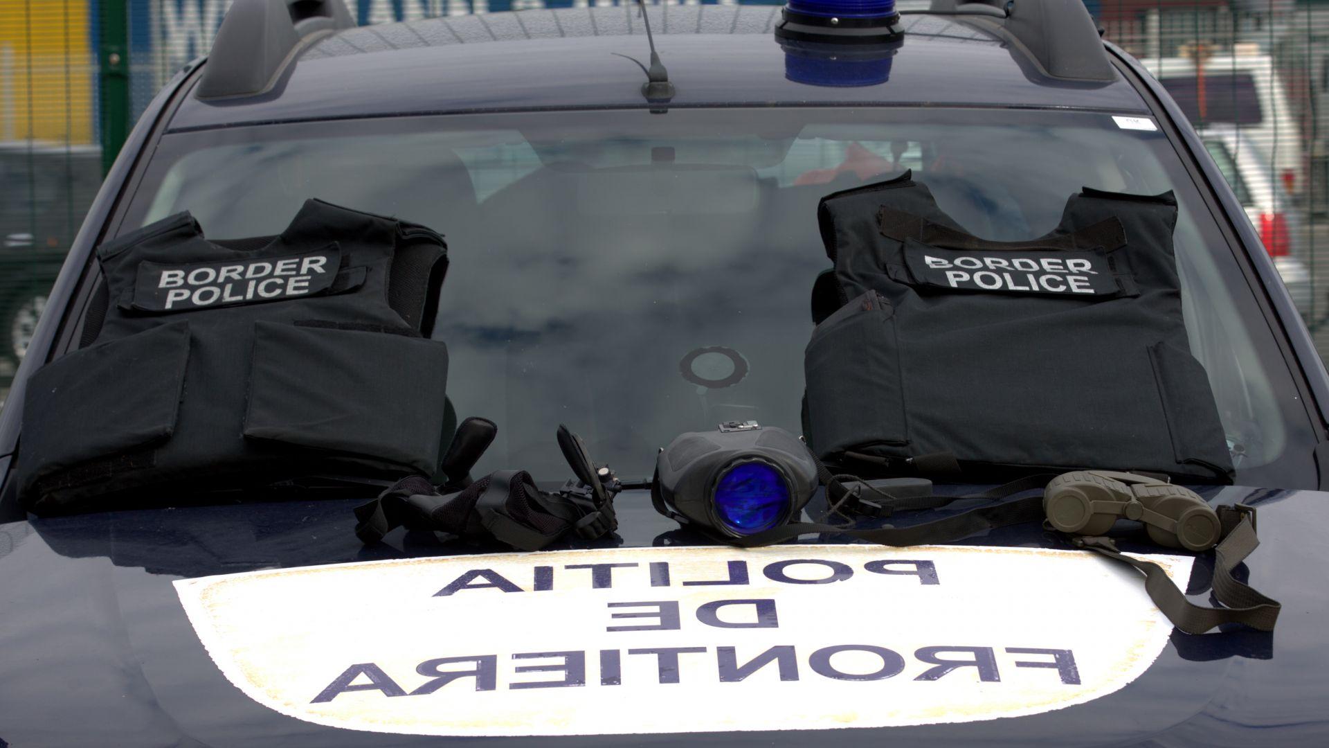 Откриха мигранти в български хладилен камион в Гърция