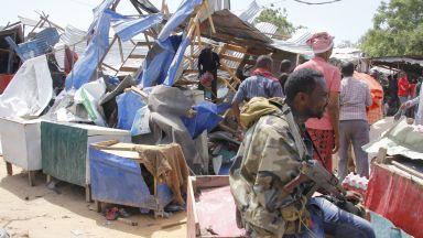 Кървава касапница в Сомалия след избухването на кола бомба (снимки и видео)