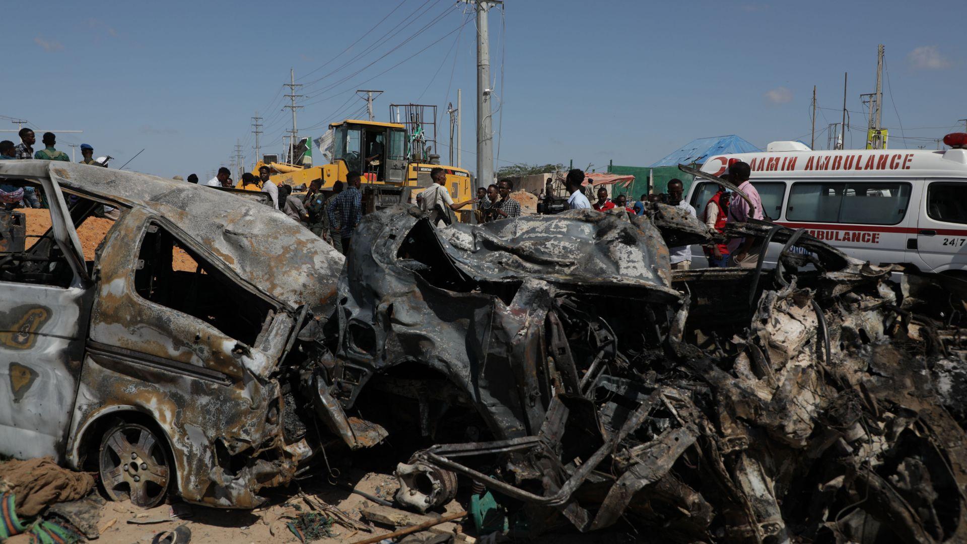 Най-малко 76 са загинали при кървавия атентат в Могадишу (снимки)