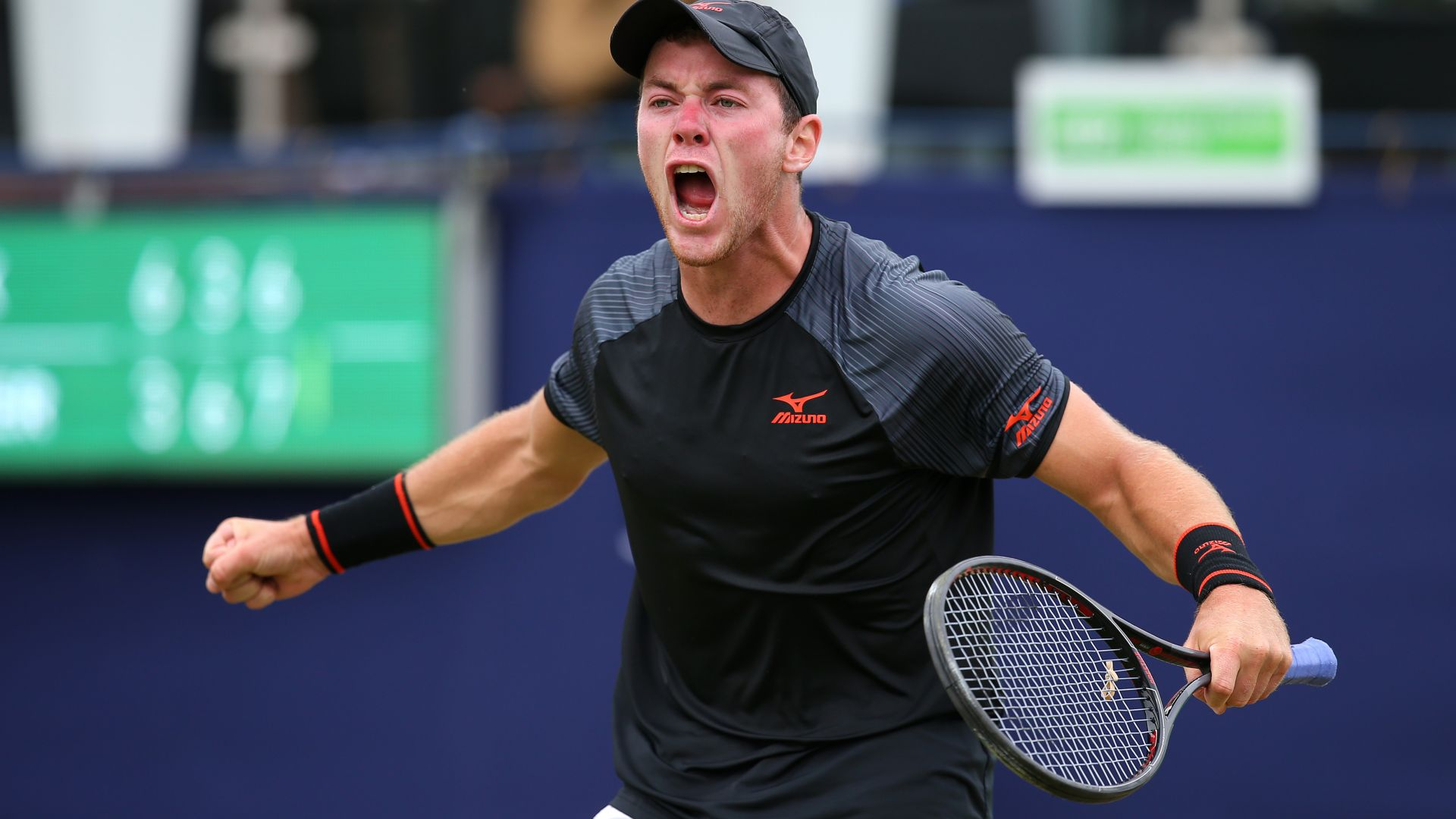 Играч от топ 100: Уреждането на мачове е последният шанс на много тенисисти
