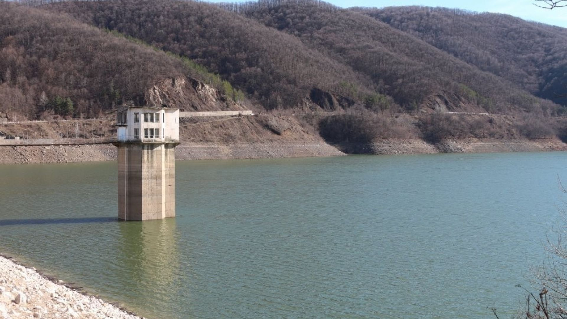 Спецпрокуратурата се самосезира за потенциална водна криза в Ботевград