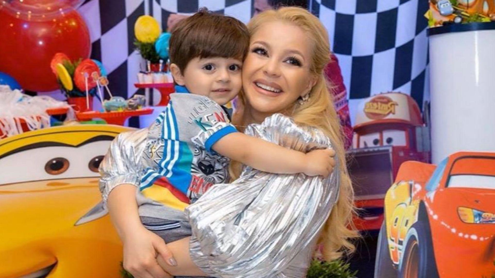 Деси Слава с парти за втория рожден ден на малкия си син