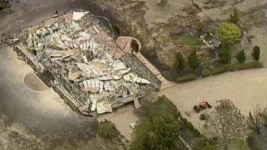 Баща и син загинаха в опит да защитят дома си от огнения ад в Австралия