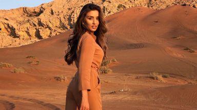 Саня Борисова се сля с пустинята Ал Фая
