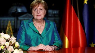 """Меркел вижда причини за """"предпазлив оптимизъм"""" в кризата с коронавируса"""