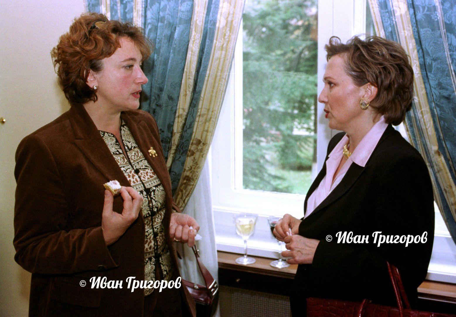 """15 октомври 2002 г. - Силва Зурлева разговаря с автора на култовото предаване на Ефир 2 """"Ах, тези муцуни"""" - Екатерина Генова"""