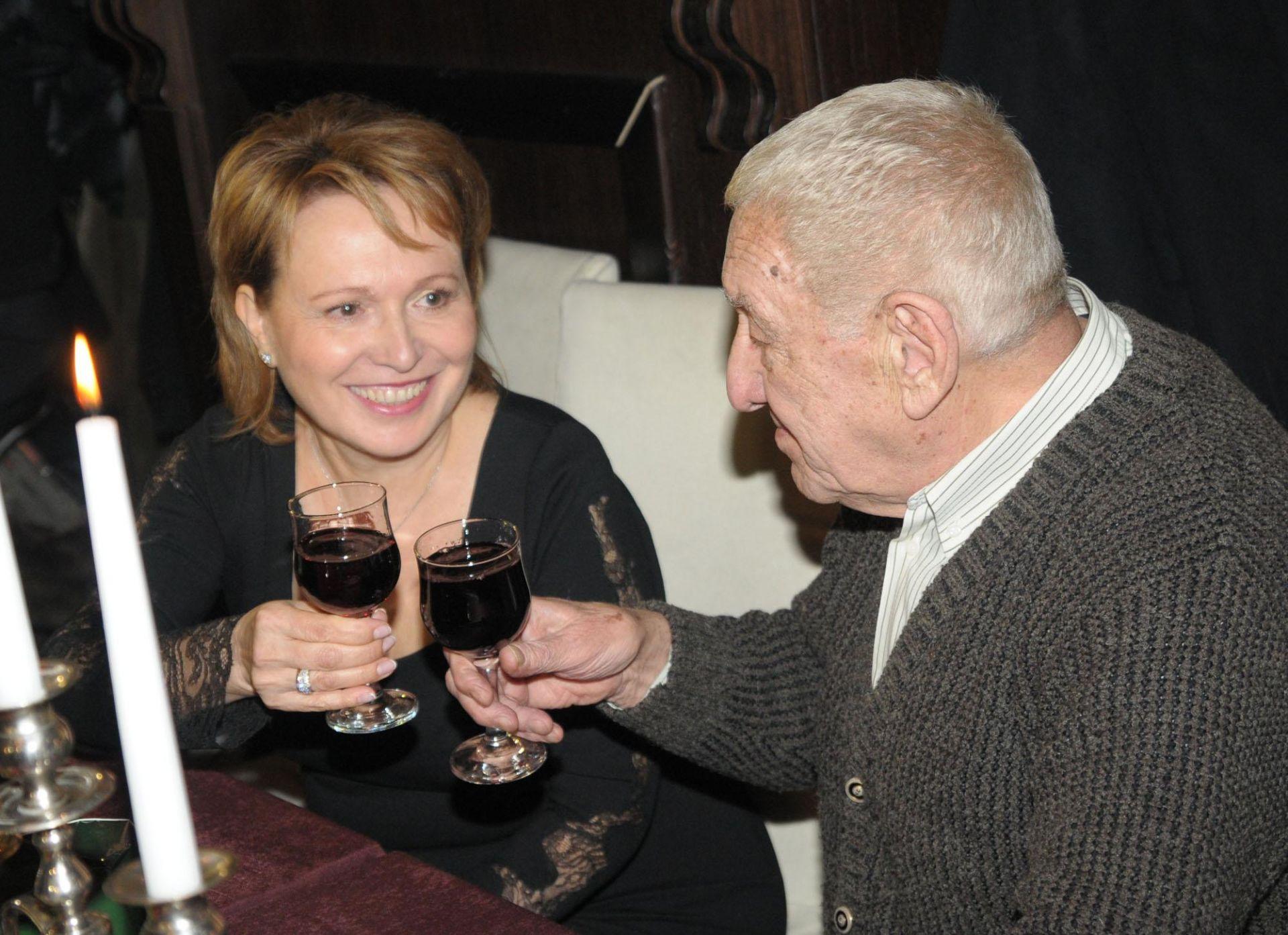 20 януари 2012 г. - Силва Зурлева и Хачо Бояджиев си дават наздраве по случай 80-ия рожден ден на режисьора