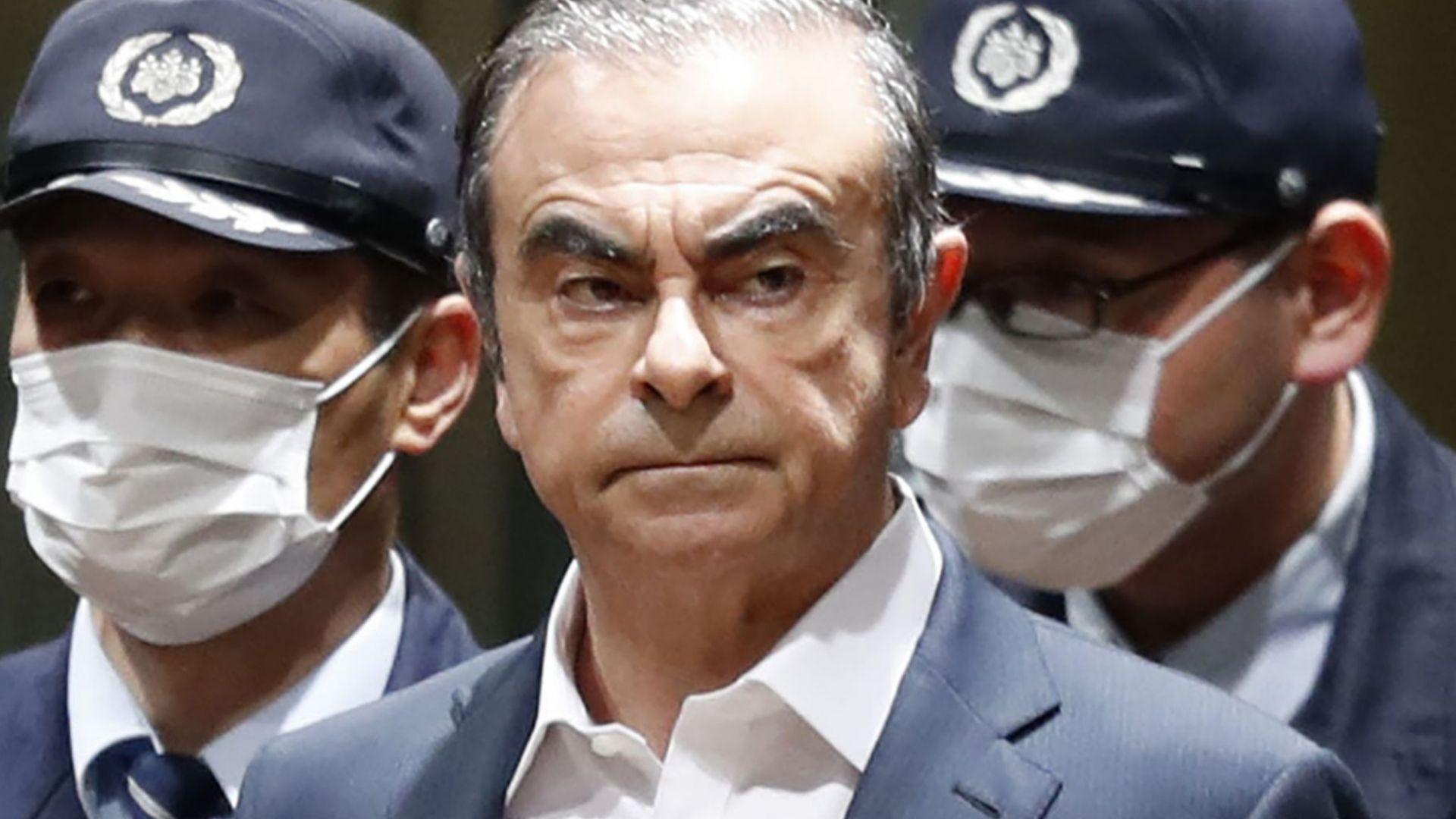 Токийската прокуратура започна обиски в резиденцията на бившия президент на