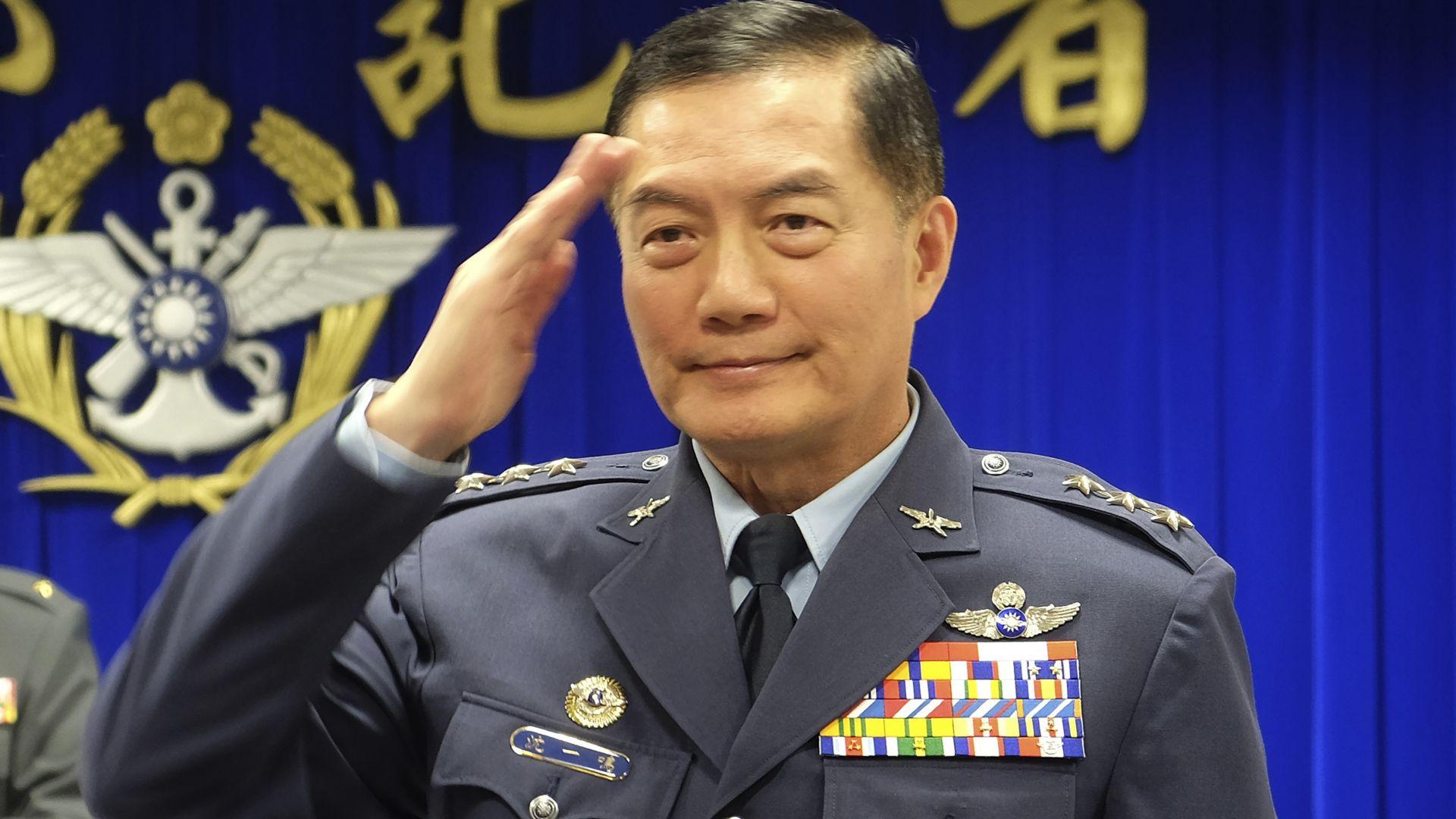 """Шефът на Генщаба на Тайван и още 3-ма генерали загинаха с """"Блек Хоук"""" (видео)"""