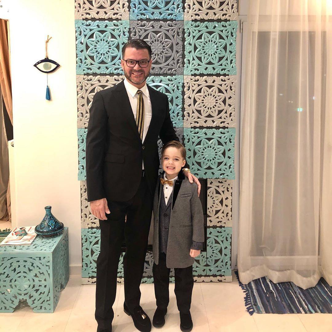 д-р Ангел Енчев със сина си