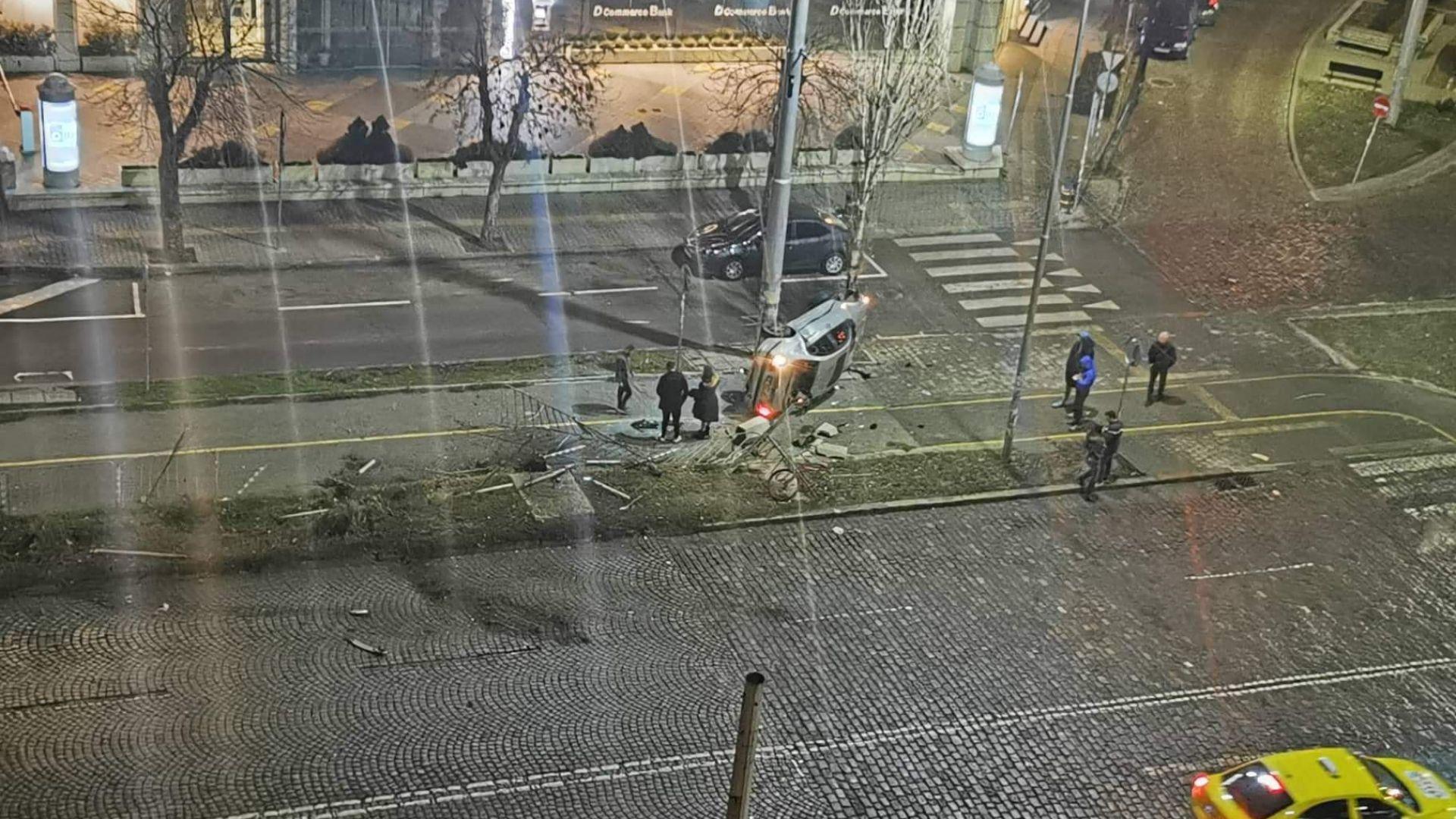 Зрелищна каскада с БМВ край Руски паметник в София