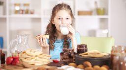 Пълномасленото мляко е по-полезно за децата
