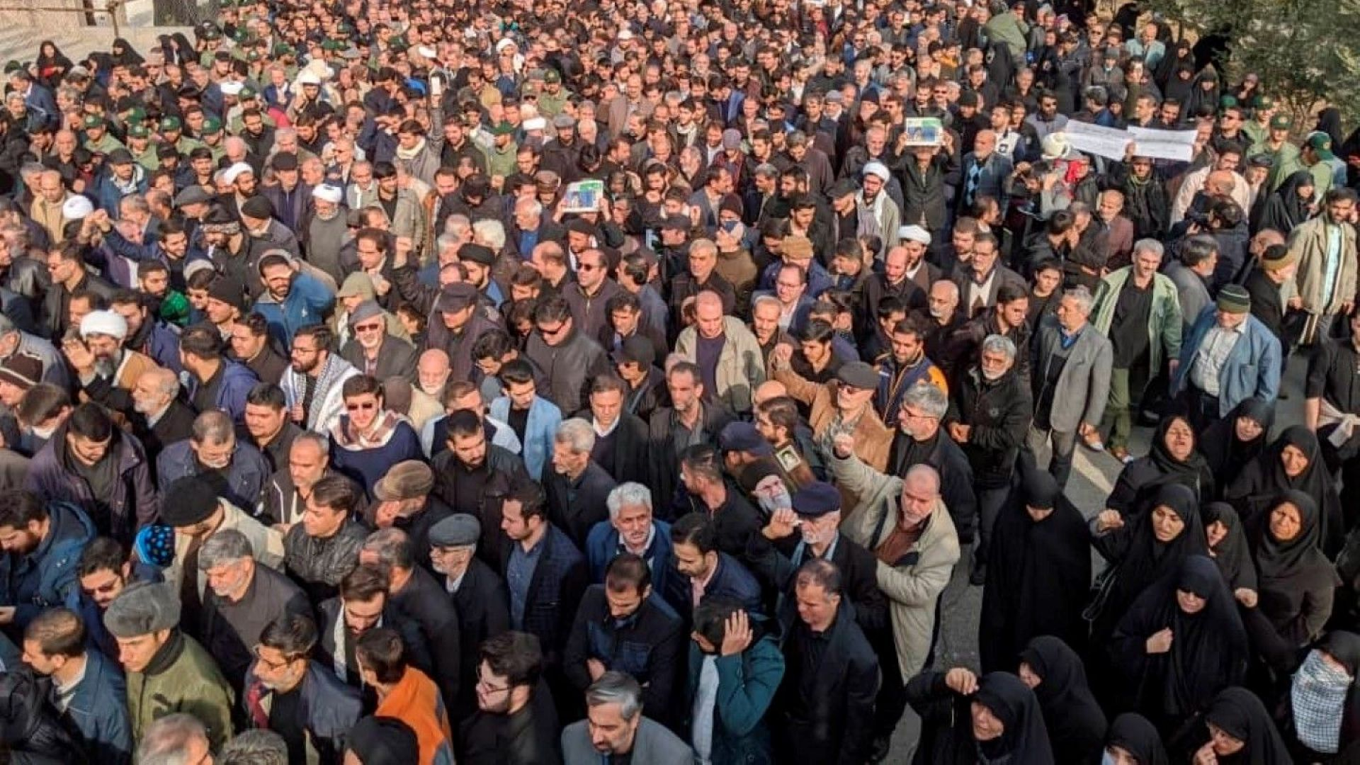 Протести в Иран заради убийството на Касем Сюлеймани