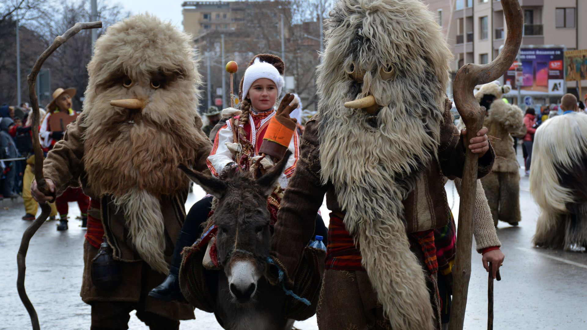 """Отмениха фестивала """"Сурва"""" в Перник заради водната криза"""