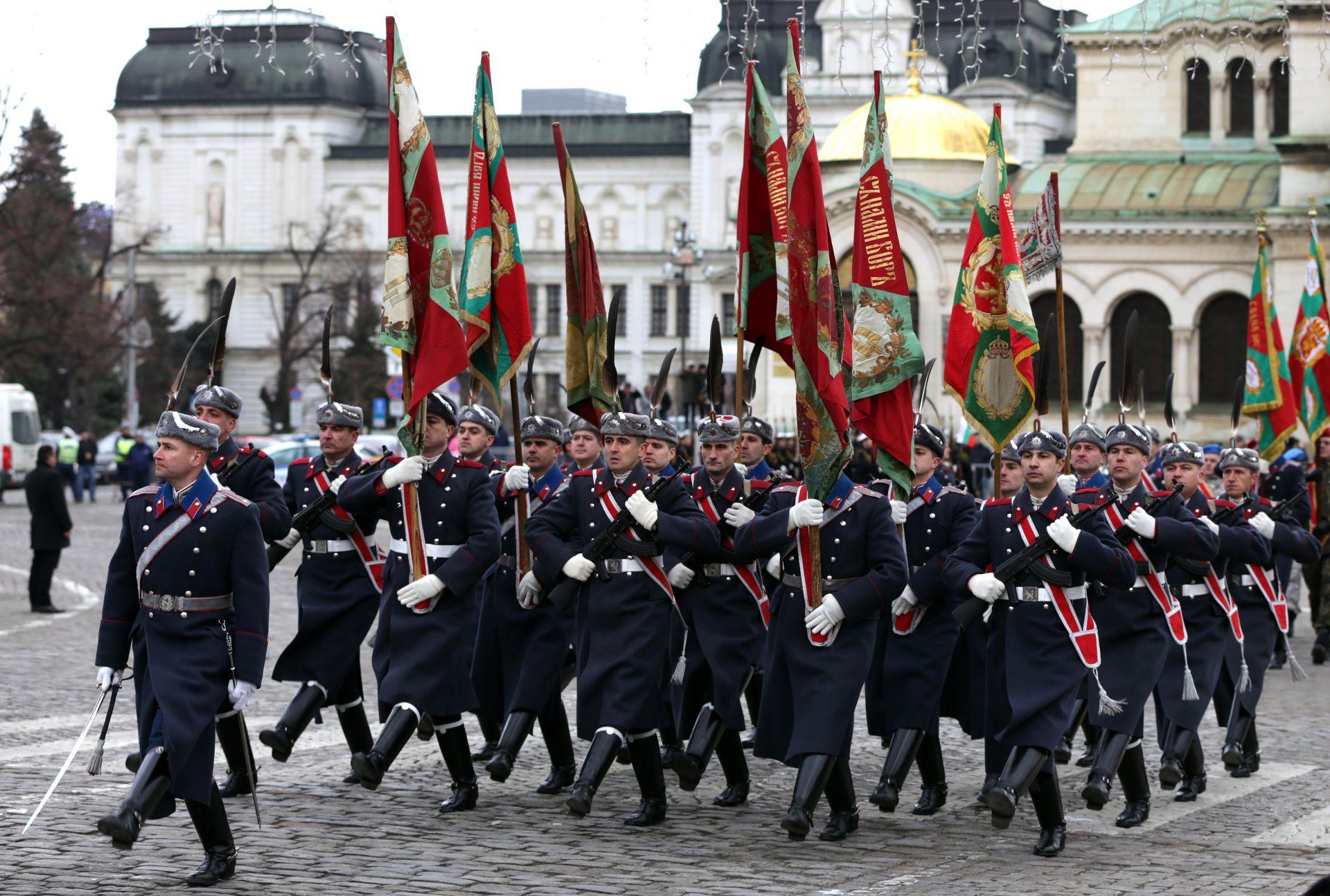 Освосвещаване на бойните знамена в София