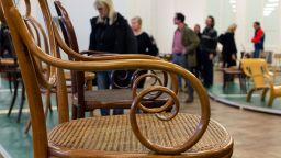 Историята на виенските столове, представена в изложба