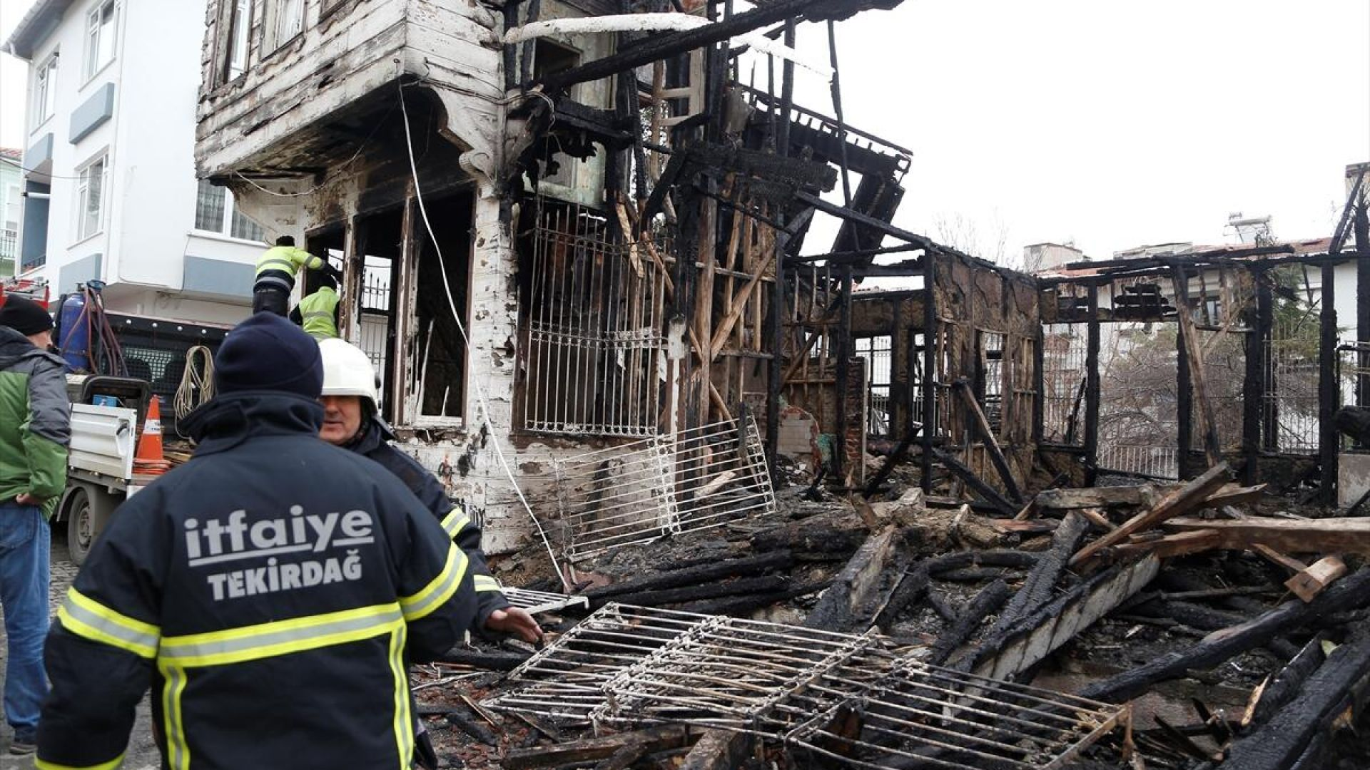 Къщата на турския писател Решат Нури изгоря при пожар