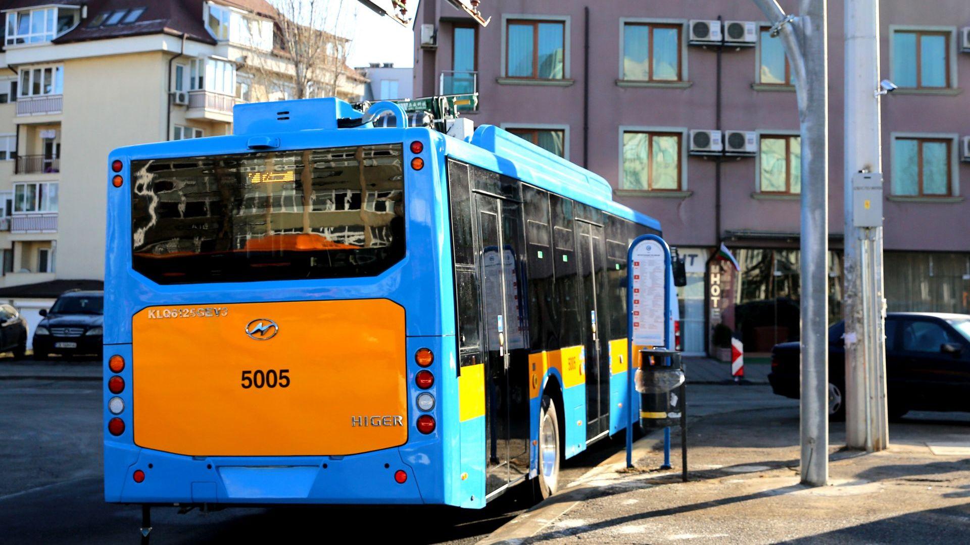 Фандъкова тества новите електрически автобуси