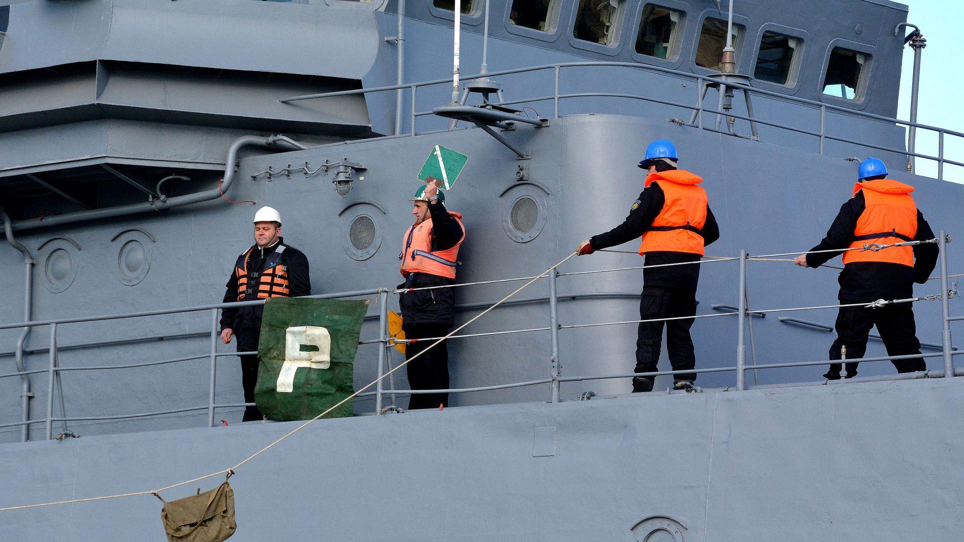ВМС планира двойно повече дни на море за екипажите (снимки)