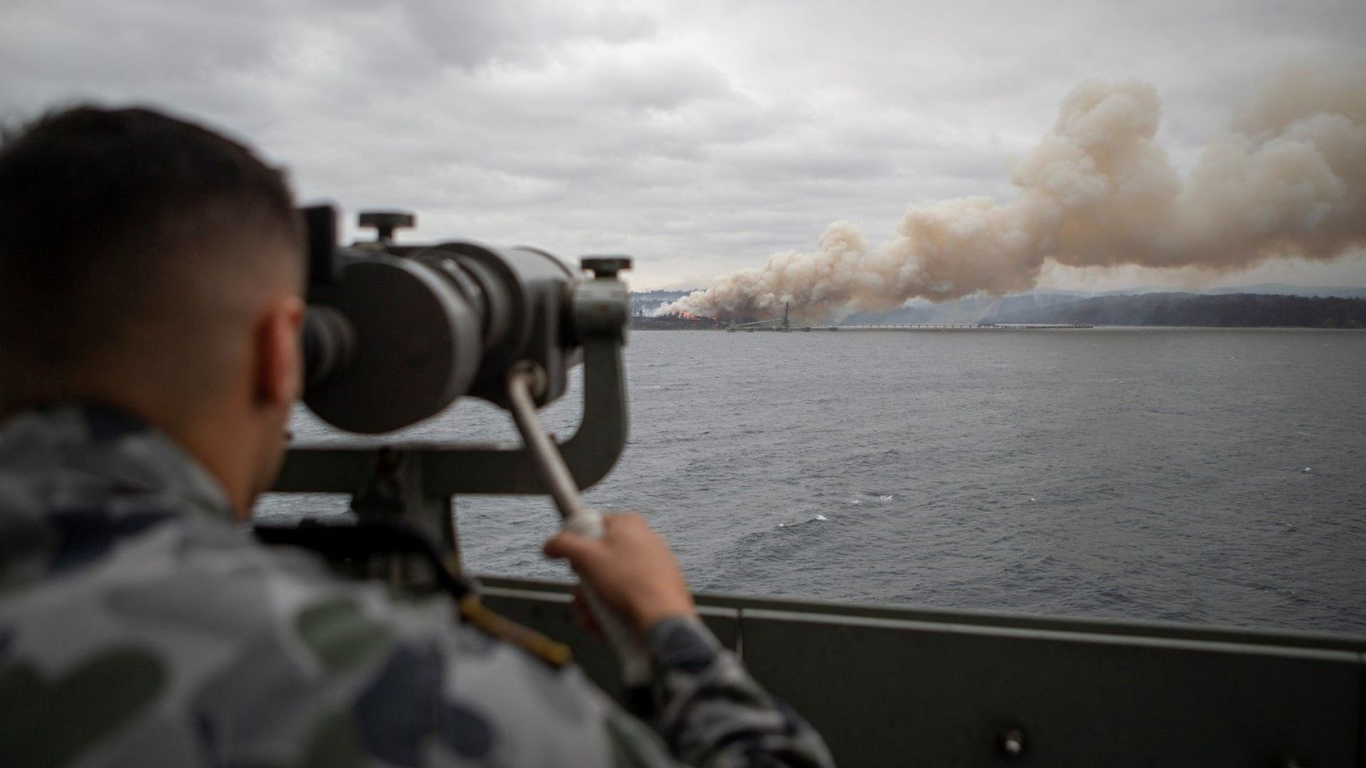 Нови евакуации заради пожарите в Австралия