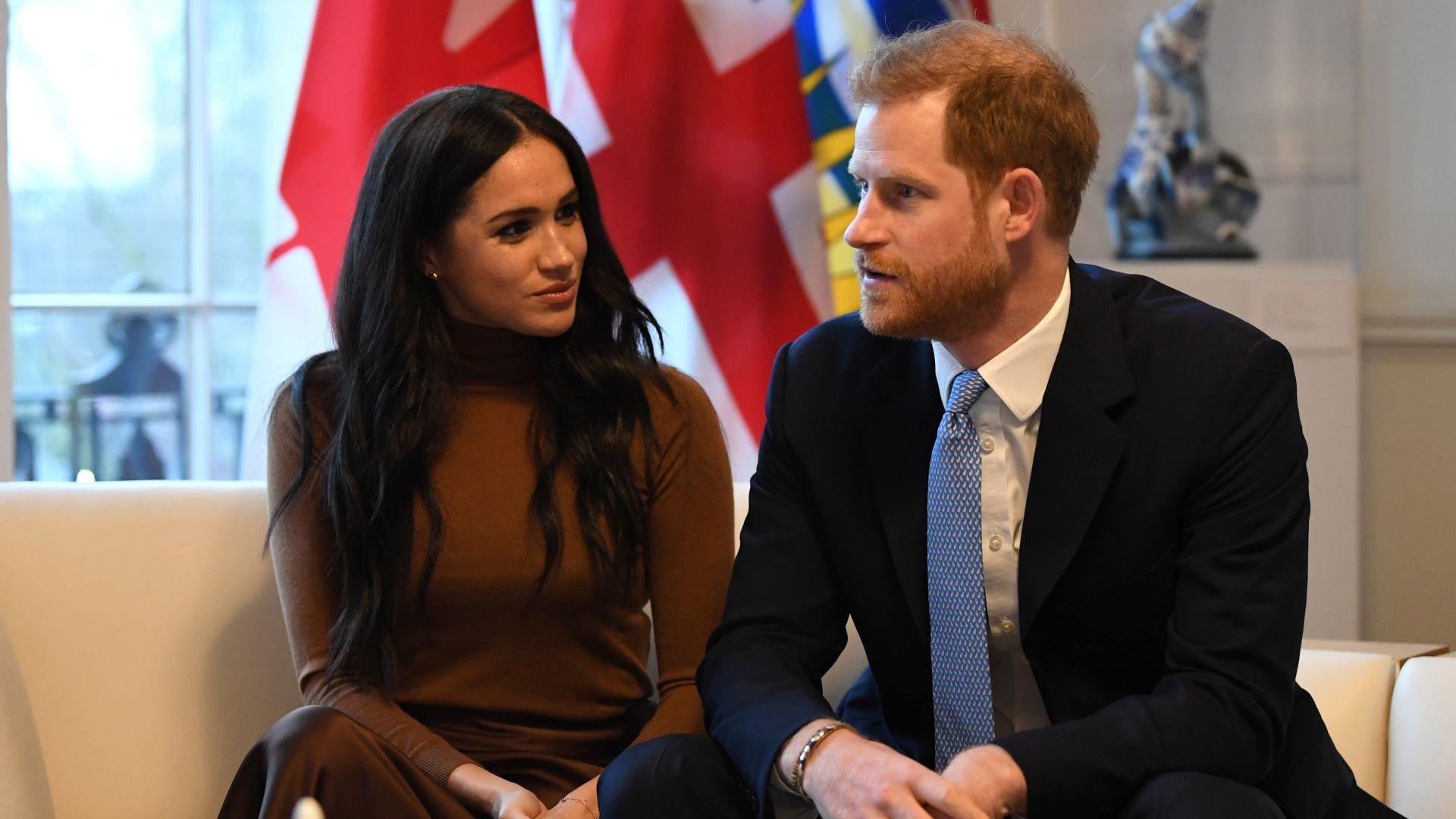 Меган Маркъл и принц Хари се оттеглят от кралското семейство