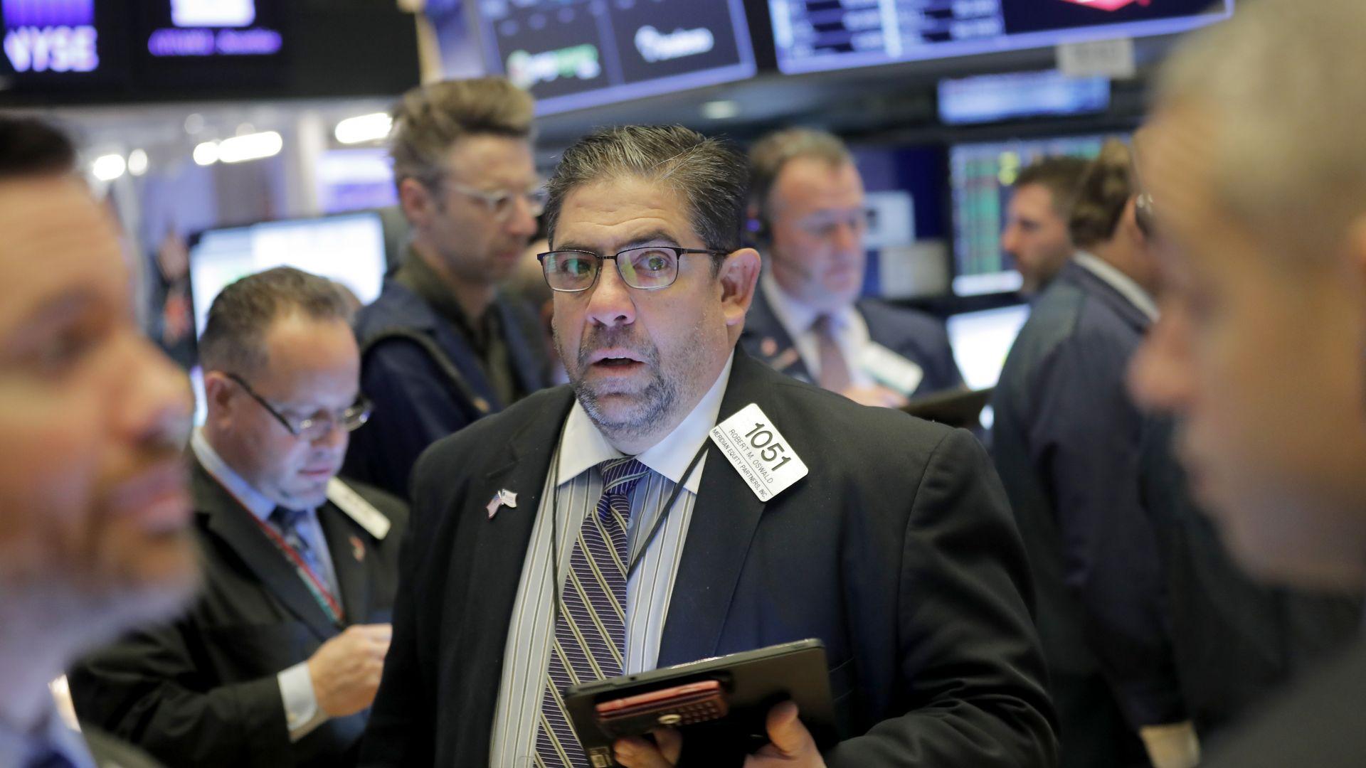 Изказването на Тръмп, че САЩ няма да отвръщат на удара, успокои пазарите