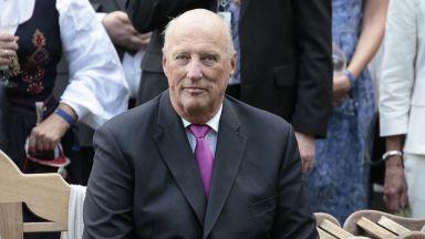 Кралят на Норвегия излезе от болницата