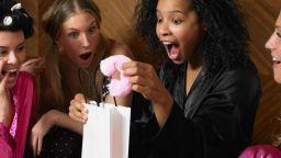 В Дания залагат на секс играчките, докато хората са у дома