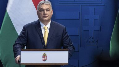 Орбан пита унгарците дали да се плащат обезщетения на роми и затворници