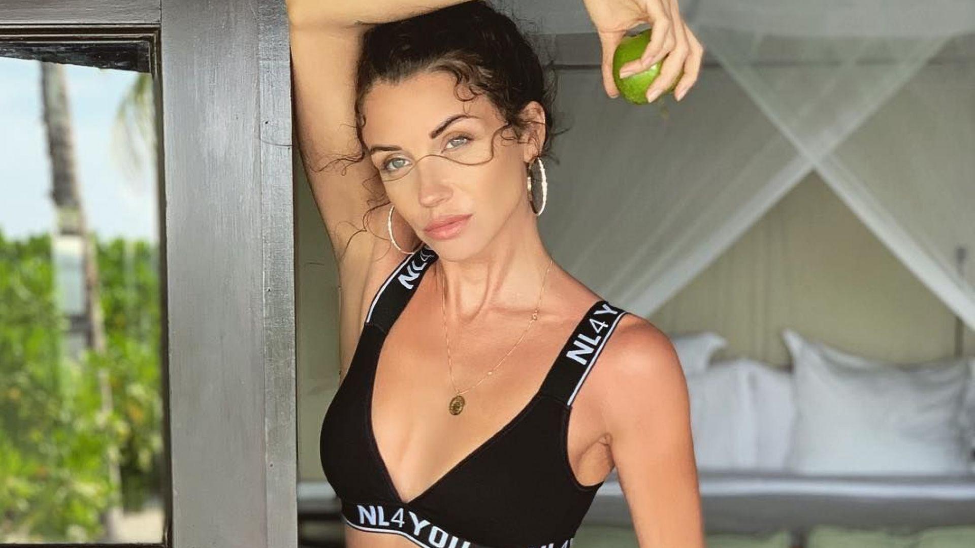 Диляна Попова мотивирана и мокра във фитнеса