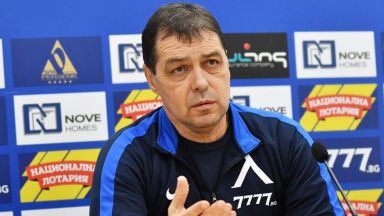 Петър Хубчев: Голям успех е да изведем 25 души на тренировка