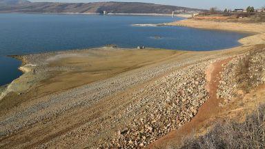 Два язовира с критично ниски води в Северозападна България