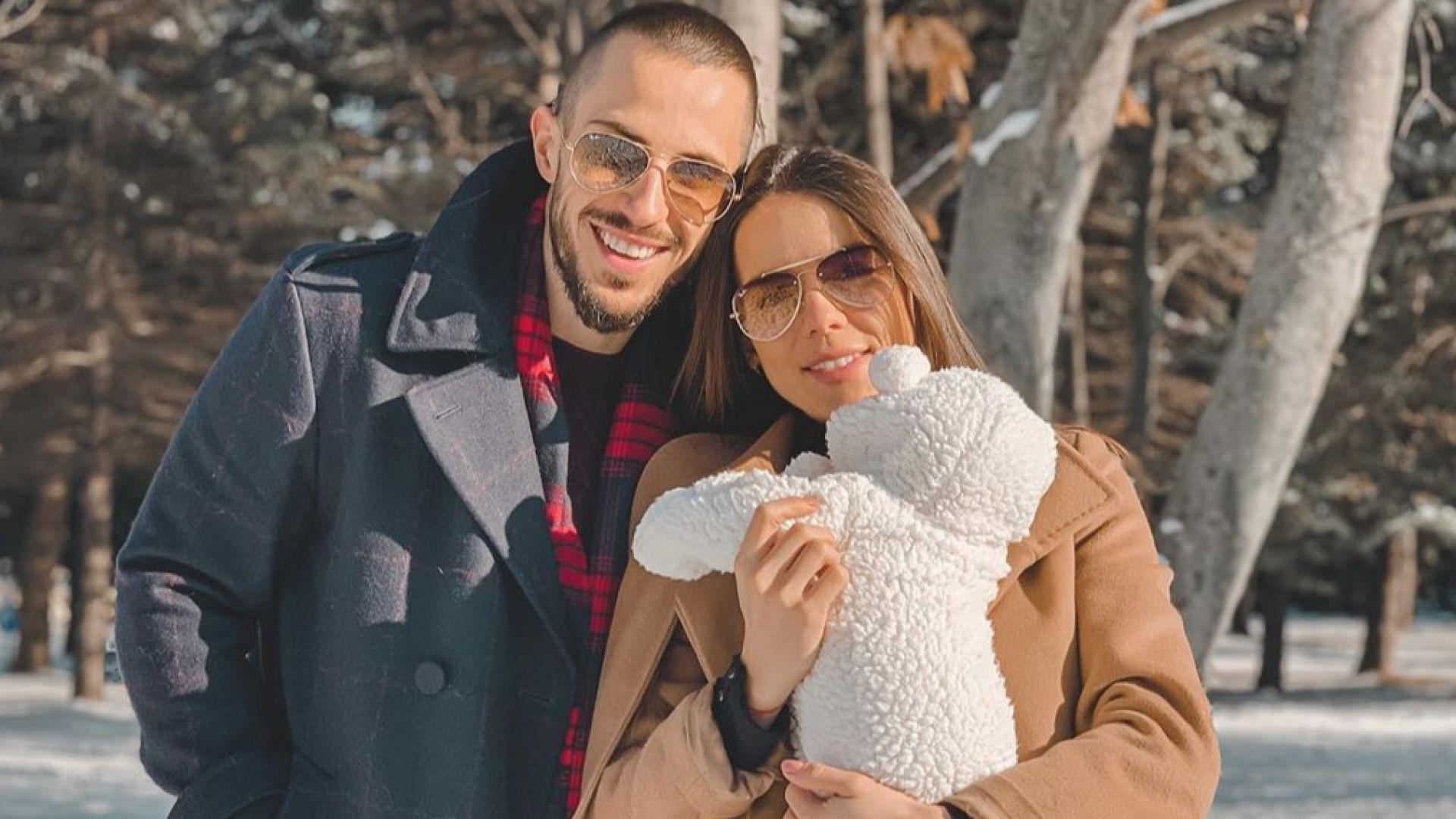 Теа Минкова подготвя погача за бебето без Наум Шопов