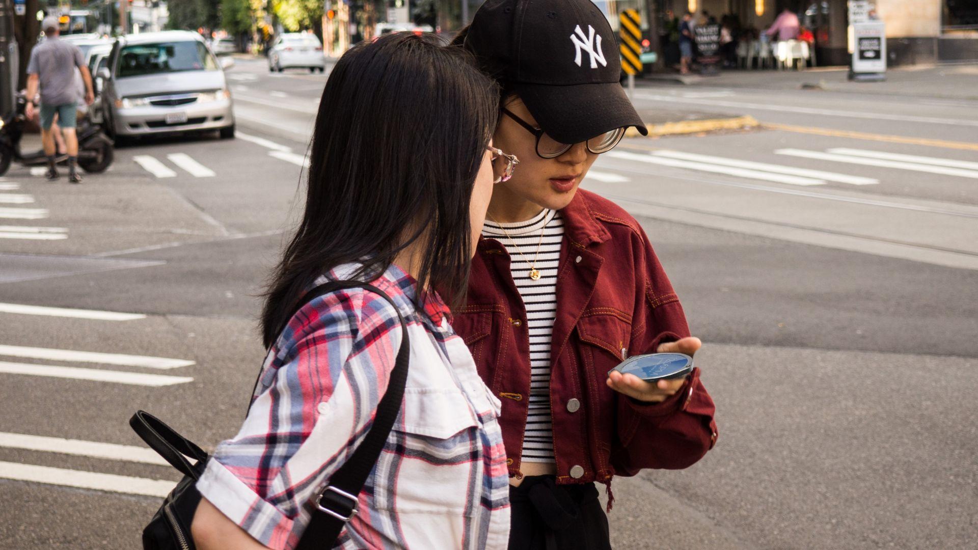 Кръгъл смартфон ще се бори за място на пазара