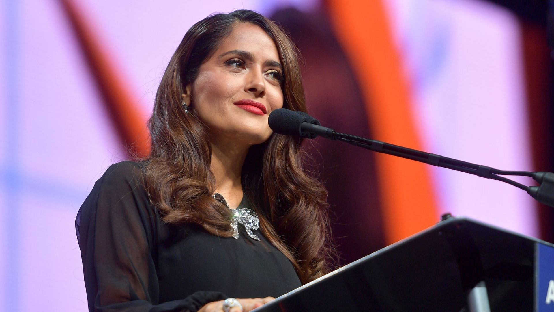 Салма Хайек срещу домашното насилие: Какво става, когато домът е заплаха?
