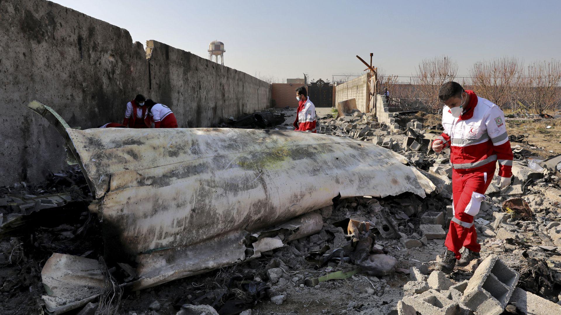 Иран решил снощи да признае вината си за свалянето на самолета