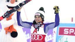 Шампионката в алпийските ски получи глобусите си по куриер