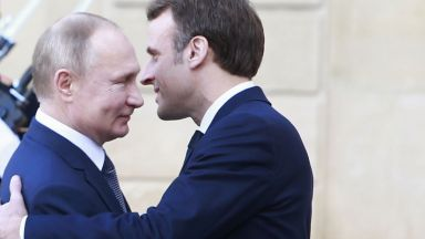 """Макрон: Срещу Русия трябва да се действа """"ясно и твърдо"""""""