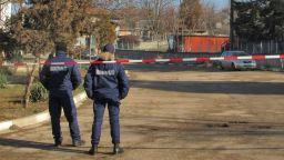 """Взрив и във Ветово - мъж от комбинат """"Сеново"""" е ранен, евакуираха деца"""