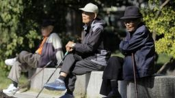 Десетки хиляди възрастни южнокорейци се отказаха да шофират