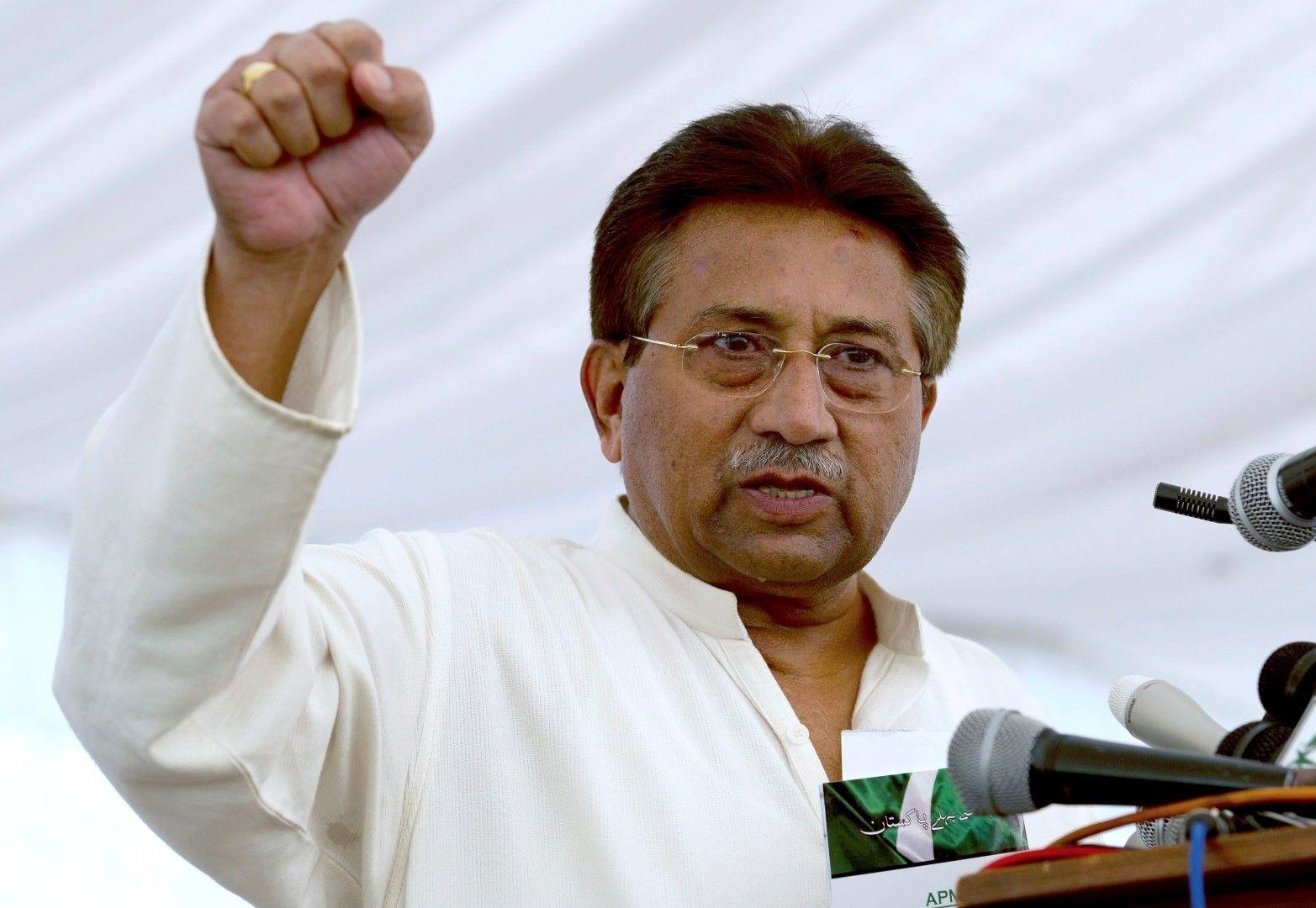 Первес Мушараф - бивш президент и военен лидер на Пакистан ( архив, 15 април 2013)