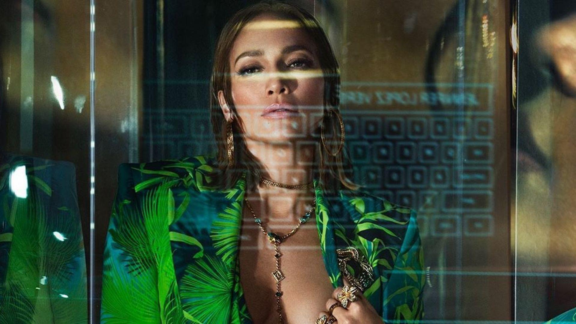 Дженифър Лопес – съблазнителното и сексапилно лице на Versace