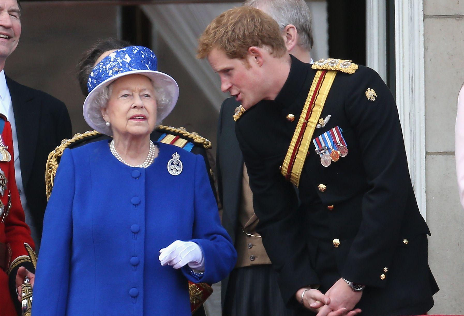 Кралица Елизабет II и принц Хари