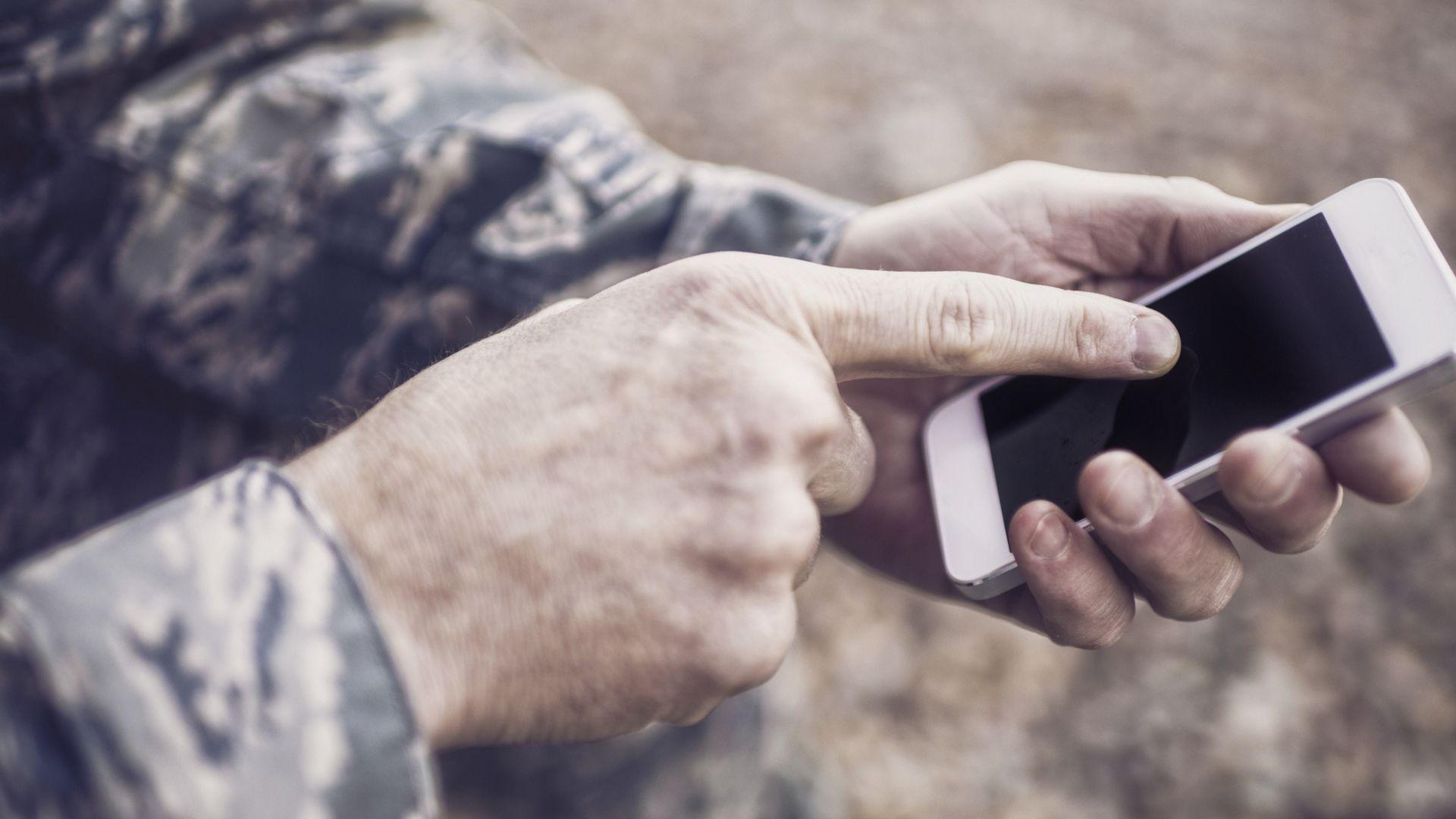 ЕС настоява за сменяеми батерии в смартфоните