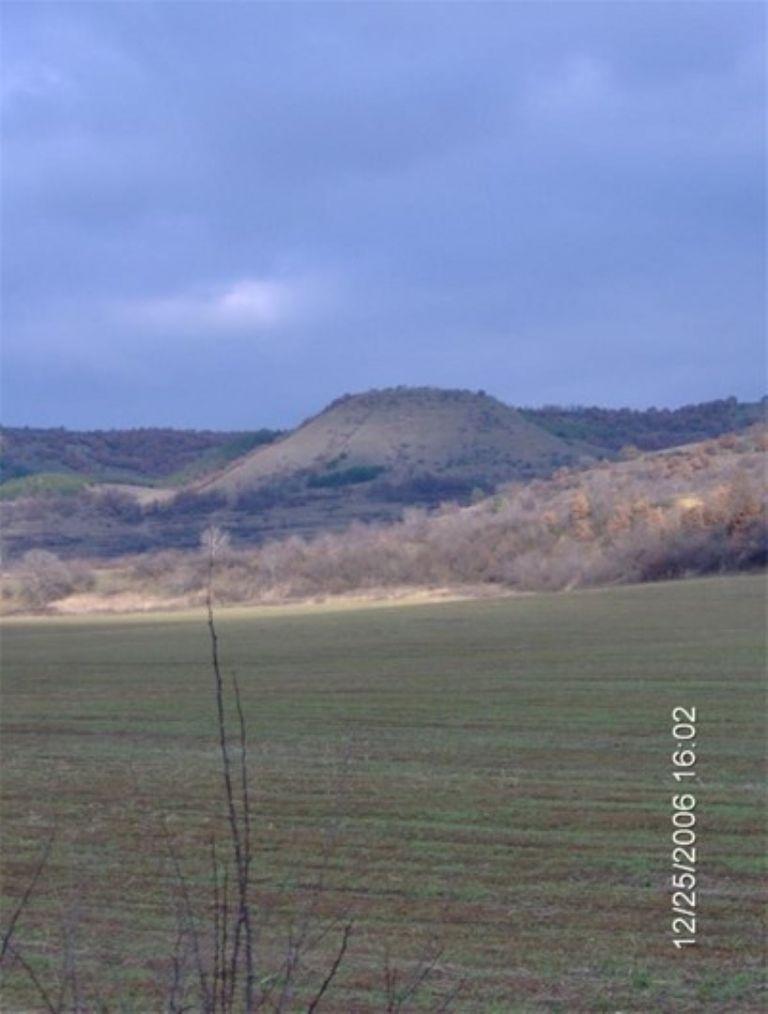 Пирамидална пресечена структура в Рила планина