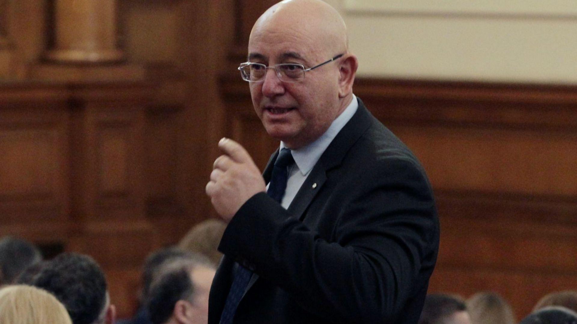 Парламентът избра Емил Димитров за министър на околната среда